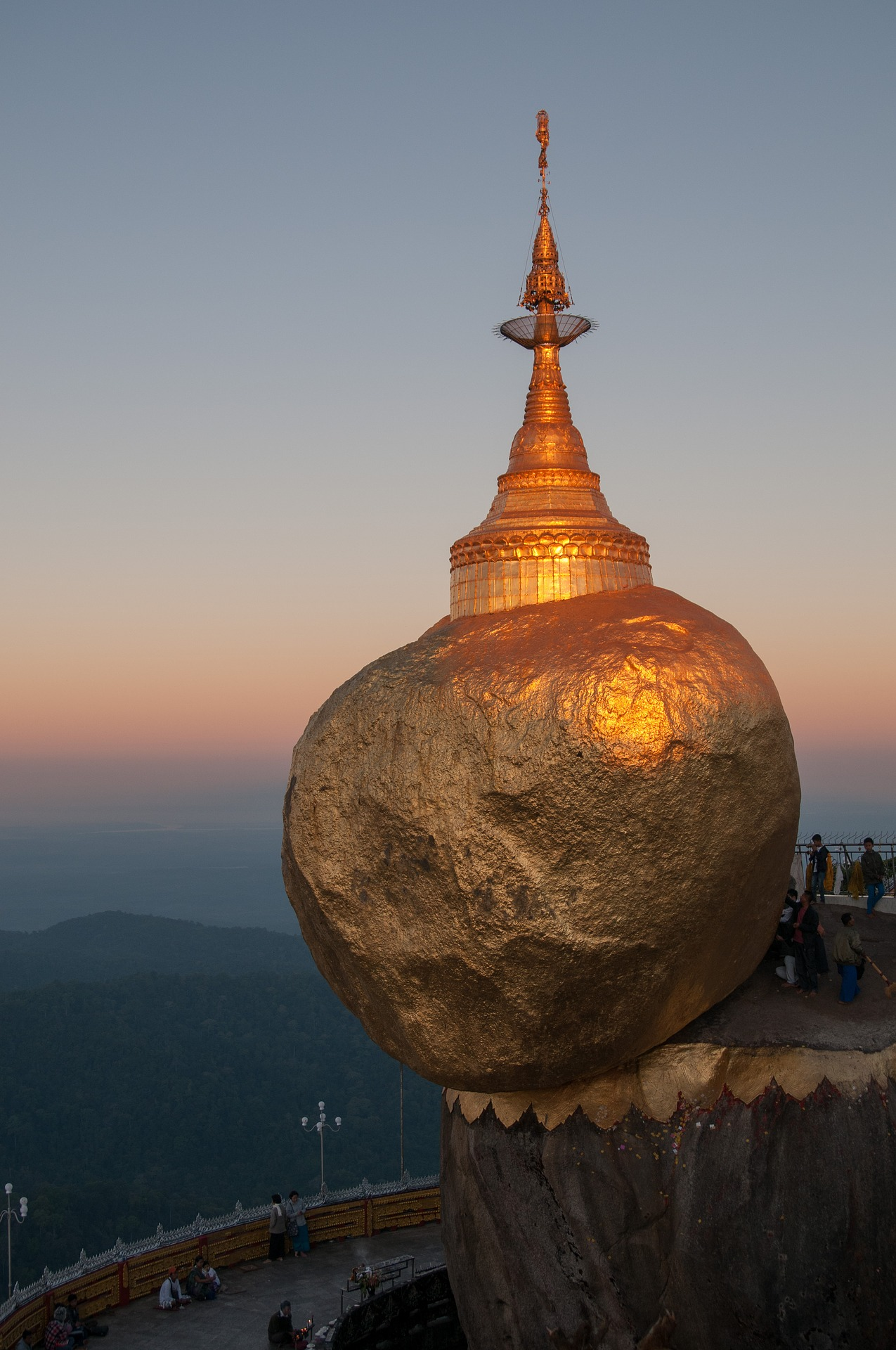 myanmar-golden-rock